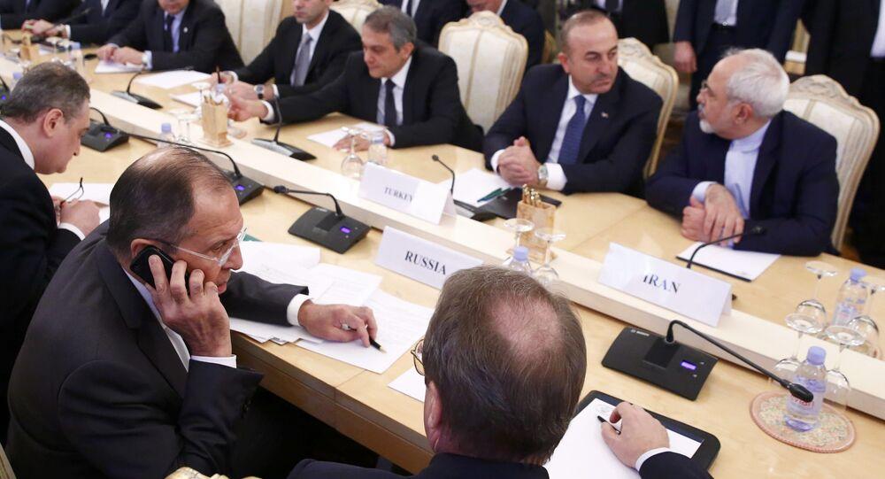Rusya Dışişleri Bakanı Sergey Lavrov, İran Dışişleri Bakanı Cevad Zarif ve Dışişleri Bakanı Mevlüt Çavuşoğlu