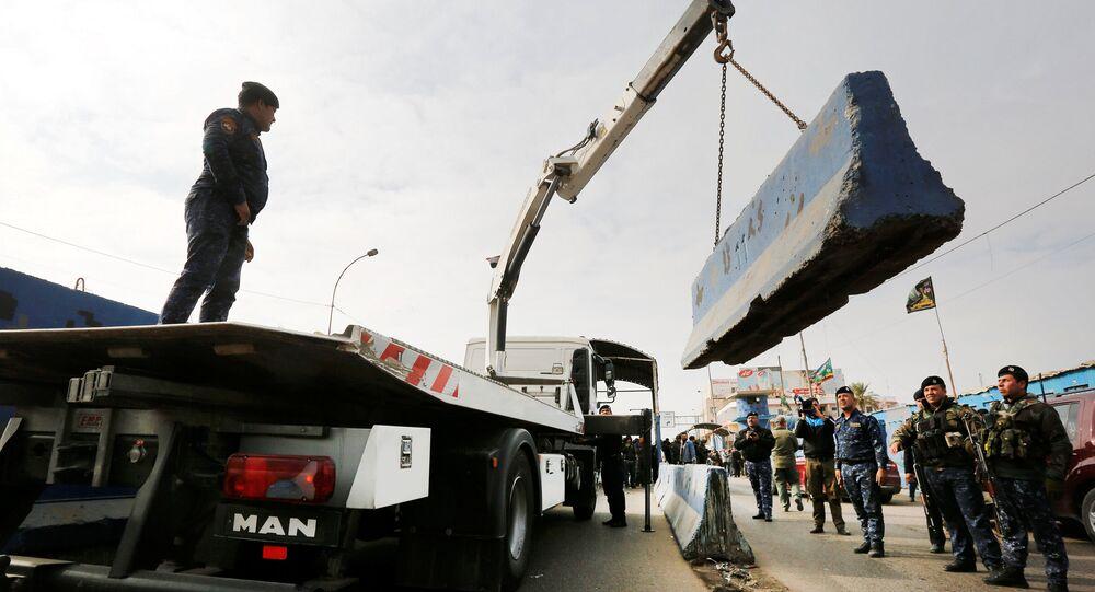 Bağdat'ta trafiği rahatlatmak amacıyla beton blok ve kontorl noktalarının bir kısmı kaldırıldı