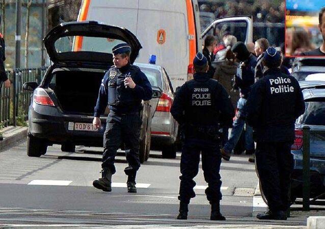 Maksime Azadi, Belçika'da tutuklandı