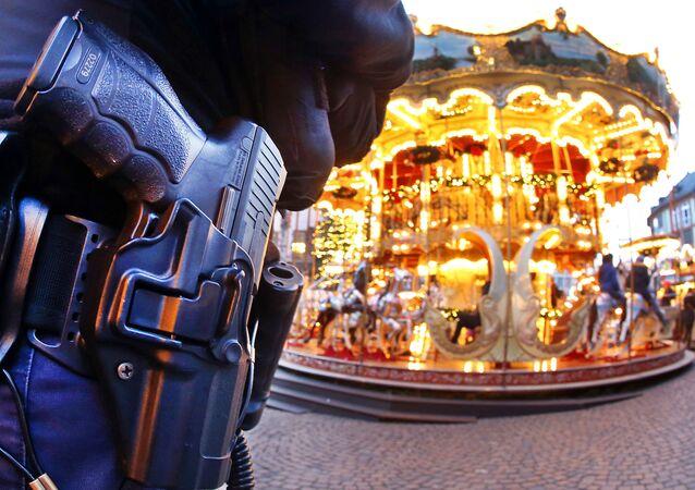 Alman polisi Berlin'deki saldırının ardından güvenlik önlemlerini artırdı
