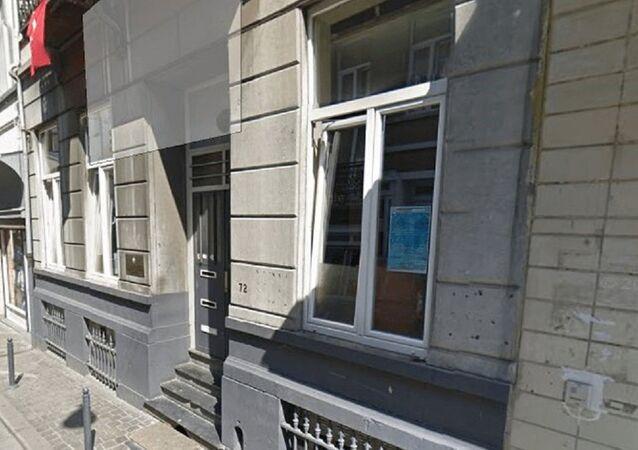 Brüksel'de Belçika Türk Federasyonu'nun bulunduğu binanın önünde patlayıcının bulundu.