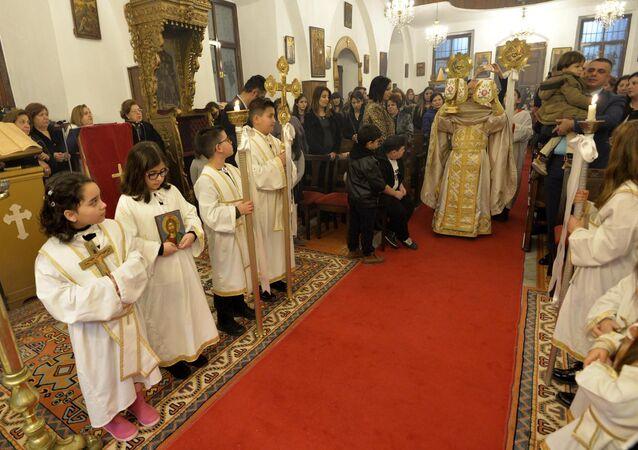 Mersin'deki Noel ayininde askerler için dua edildi