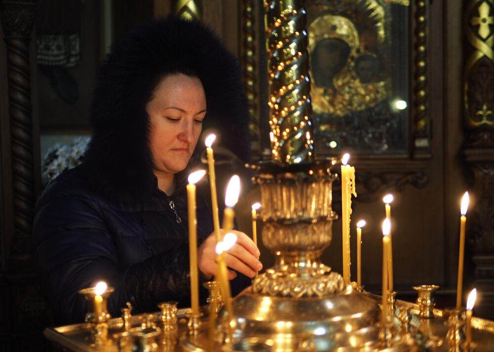 Tu-154 faciasında ölenler için Krasnador'da düzenlenen ayin.