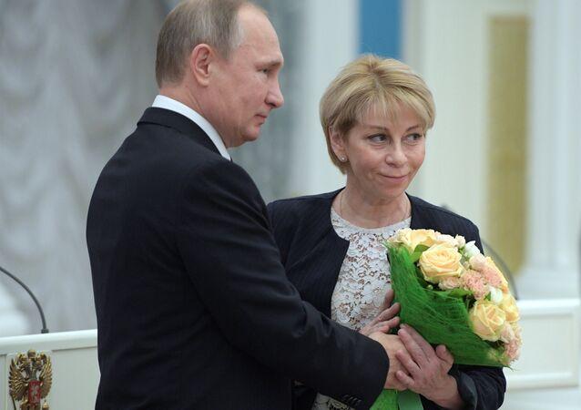Rusya Devlet Başkanı Vladimir Putin ve Elizaveta Glinka