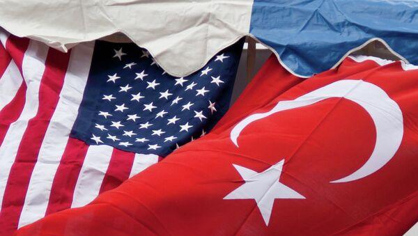 Türkiye ve ABD bayrakları - Sputnik Türkiye