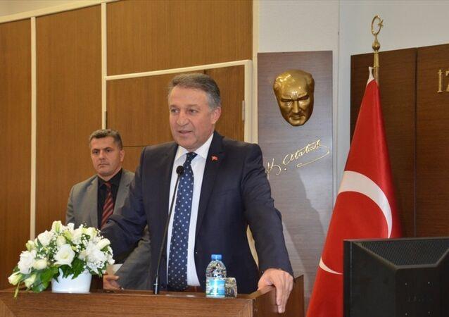 İzmir Emniyet Müdürü Hüseyin Aşkın