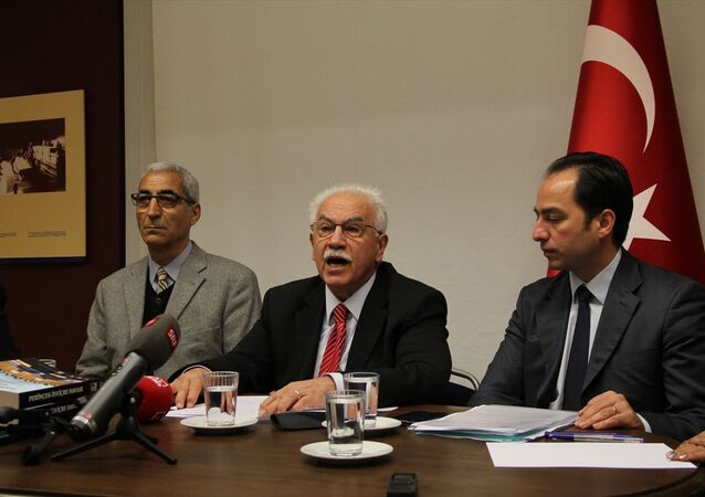Vatan Partisi Genel Başkanı Doğu Perinçek, Türkiye'nin Zürih Başkonsolosluğu'nda basın toplantısı düzenledi