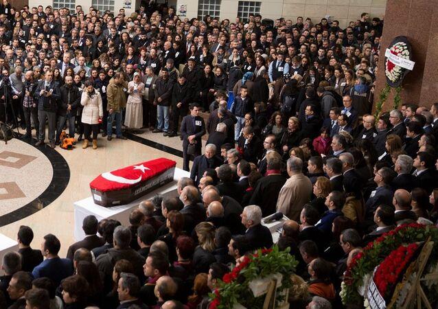 İzmir Adliyesi - cenaze töreni