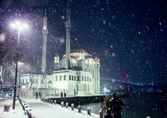 İstanbul'da yoğun kar yağışı