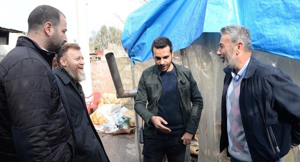 Mersin'de bir gecekonduda, Başbakanlık izniyle, özel harekat polislerinin aldığı önlemler altında yaklaşık 1.5 ay önce kazı başladı.
