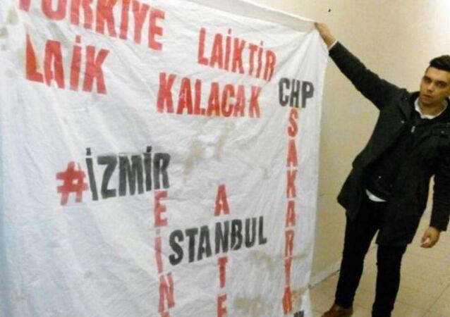 'Türkiye laiktir laik kalacak' pankartı açanlara 'huzur bozma' suçundan soruşturma