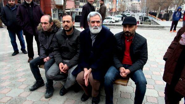 İhraç edilen KESK'li memurlar, oturma eylemi yapmak için her gün 227 lira ödüyor - Sputnik Türkiye