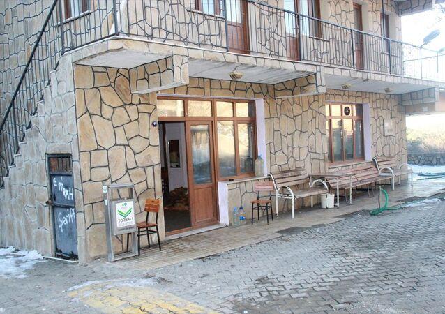 Köy kahvesi ihalesine 'yanlışlıkla' 900 bin lira teklif verdi
