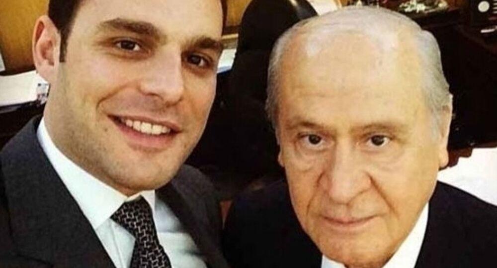 7 Haziran 2015 seçimlerinde MHP'den milletvekili adayı olan oyuncu Mehmet Aslan