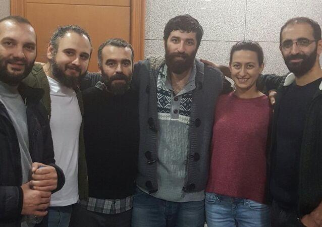 Ömer Çelik - Tunca Öğreten - Metin Yoksu - Eray Sargın - Derya Okatan - Mahir Kanaat