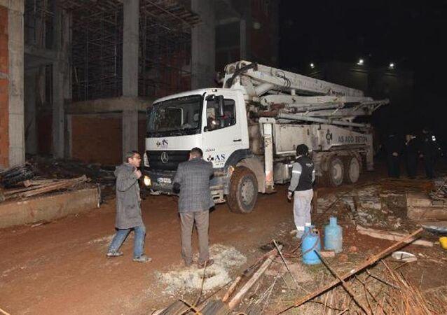 Akdeniz Üniversitesi'nde iskele çöktü