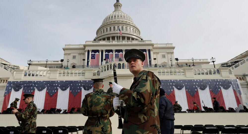 Trump'ın yemin edeceği Kongre binası önündeki alanda Donanma Bandosu prova yaptı