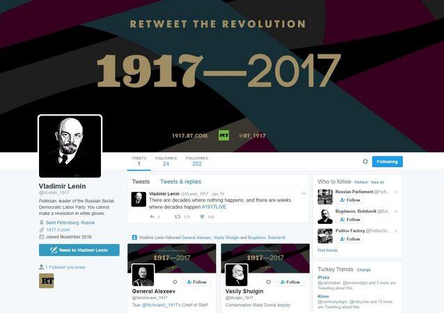 'Devrimi retweetlemek'