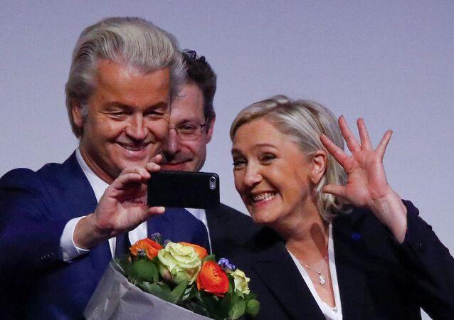 Ulusal Cephe lideri Marine Le Pen ve Hollanda'dan aşırı sağcı Özgürlük Partisi (PVV) lideri Geert Wilders