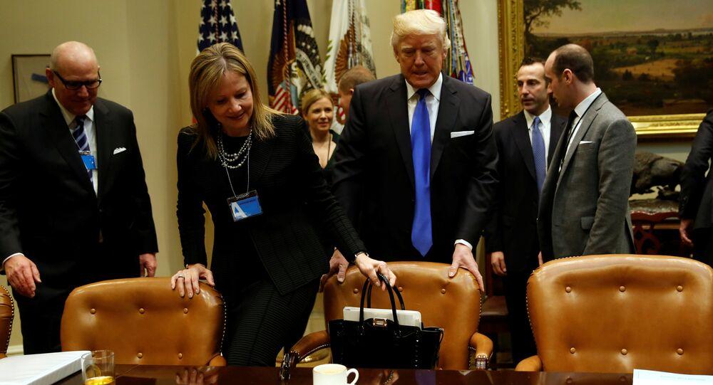 Donald Trump ve General Motors'un CEO'su Mary Barra