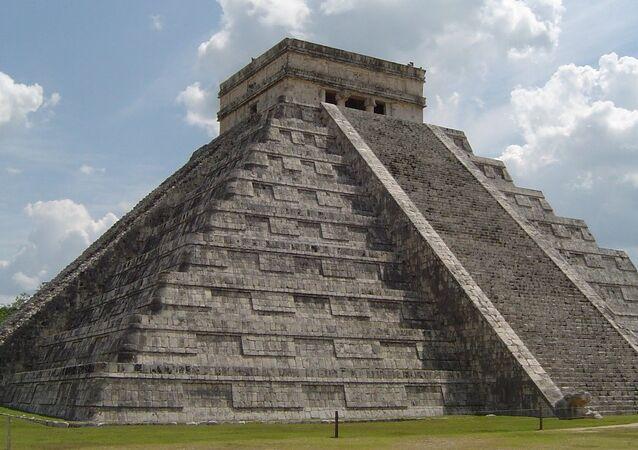Kukulkan piramidi - Maya Uygarlığı