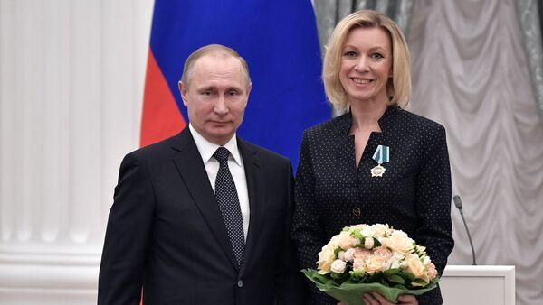 Rusya Devlet Başkanı Vladimir Putin- Rusya Dışişleri Bakanlığı Sözcüsü Mariya Zaharova  - Sputnik Türkiye