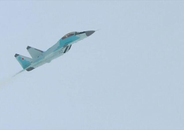Rusya'nın yeni nesil savaş uçağı MiG-35'in ilk test uçuşu yapıldı