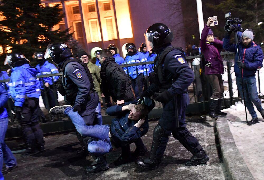 Romanya'da protesto eylemleri