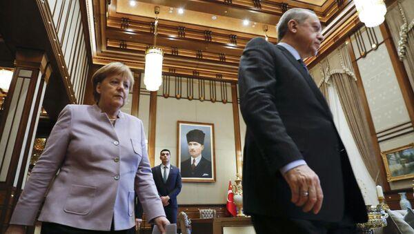Almanya Başbakanı Angela Merkel- Türkiye Cumhurbaşkanı Recep Tayyip Erdoğan - Sputnik Türkiye