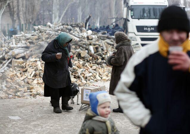Çatışmaların yaşandığı Avdeyevka kasabasındaki siviller