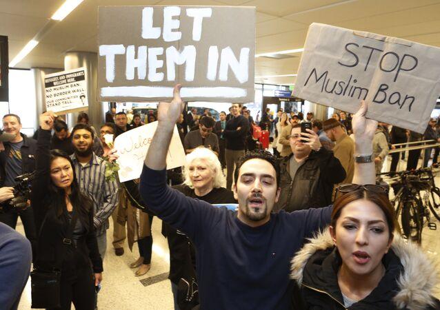 ABD'de Trump'ın vize yasağına karşı eylemler sürüyor
