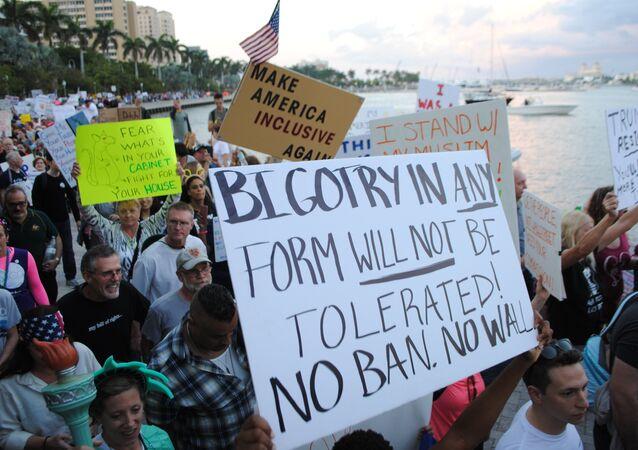Florida'da Trump protestosu