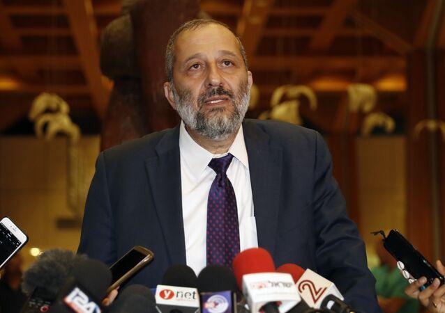 İsrail İçişleri Bakanı Aryeh Deri