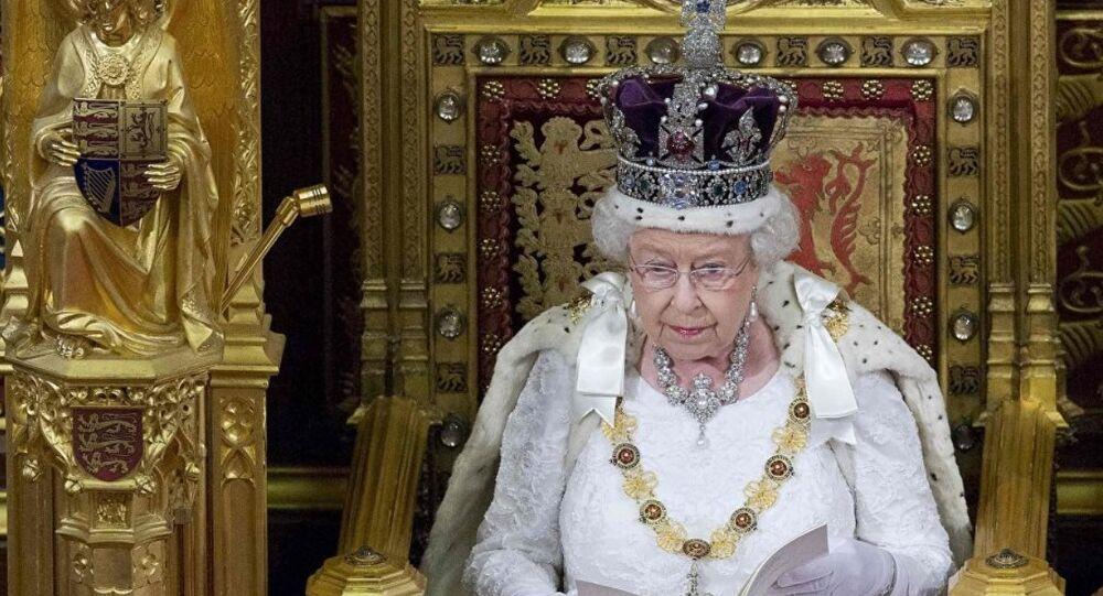 İngiltere Kraliçesi 2. Elizabeth