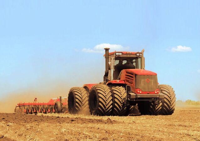 Rus Kirovetz traktörü