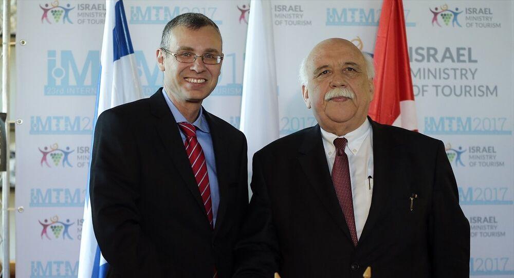 Kültür ve Turizm Bakanı Nabi Avcı (sağda) ile İsrail Turizm Bakanı Yariv Levin (solda)
