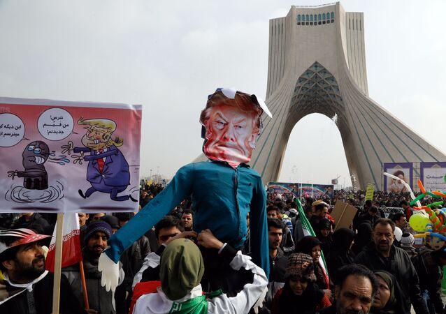 İran İslam Devrimi'nin yıldönümünde Trump'a büyük öfke vardı