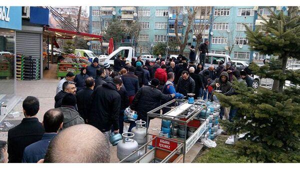 Samsun'da tüp kuyruğu - Sputnik Türkiye