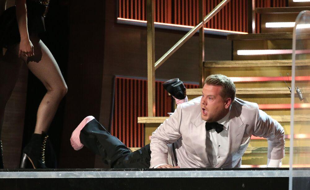 Grammy Ödülü Töreni sunucusu James Corden.