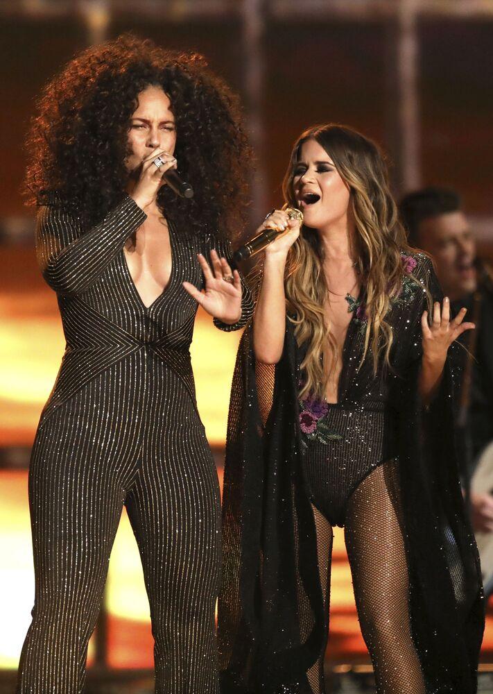 Grammy Ödülü Törenine katılan ünlü şarkıcı Alicia Keys ve Maren Morris.