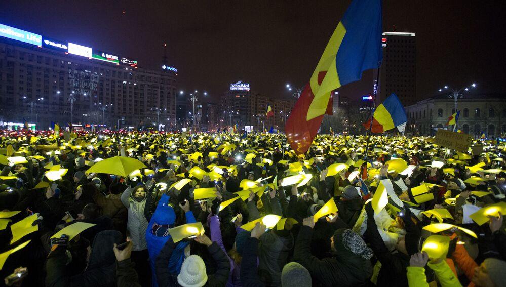 Romanya'da hükümüet karşıtı proteestolar
