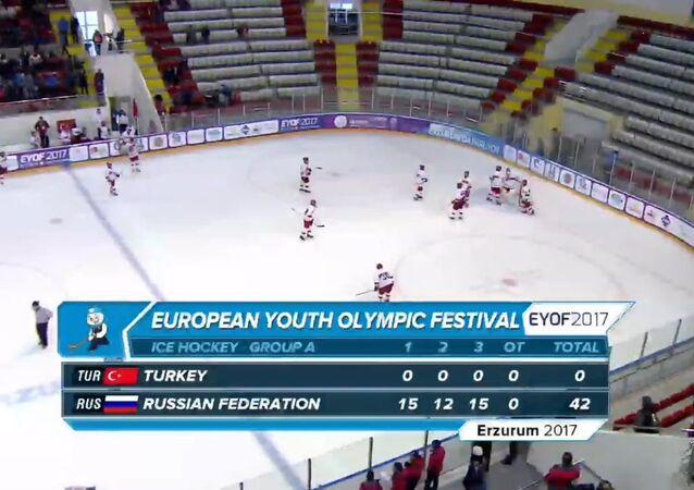 Türkiye Buz Hokeyi Erkek Milli Takımı, Rusya'ya 42-0 mağlup oldu.