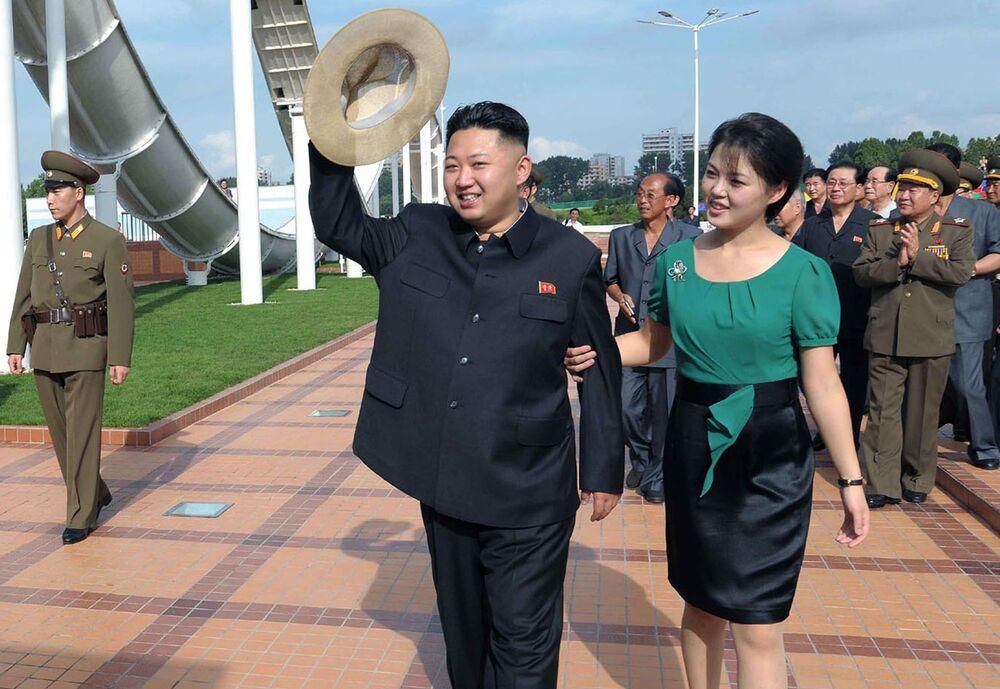 Kuzey Kore lideri Kim Jong-un ve eşi Ri Sol-ju