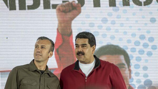 Tareck El Aissami ve Nicolas Maduro - Sputnik Türkiye