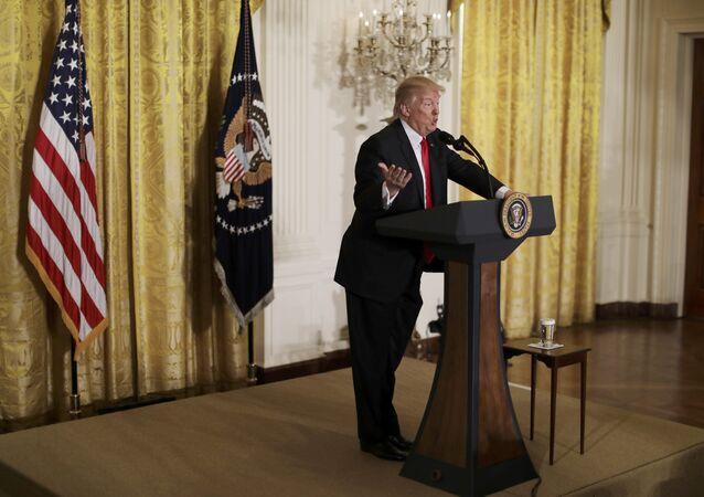 ABD Başkanı Trump, yeni göçmen kararnamesinin sinyalini verdi