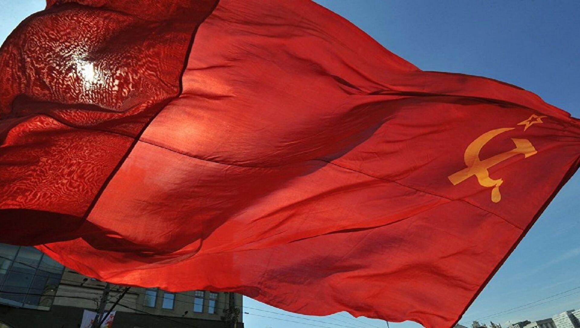Sovyet Sosyalist Cumhuriyetler Birliği (SSCB) Bayrağı - Sputnik Türkiye, 1920, 31.07.2021