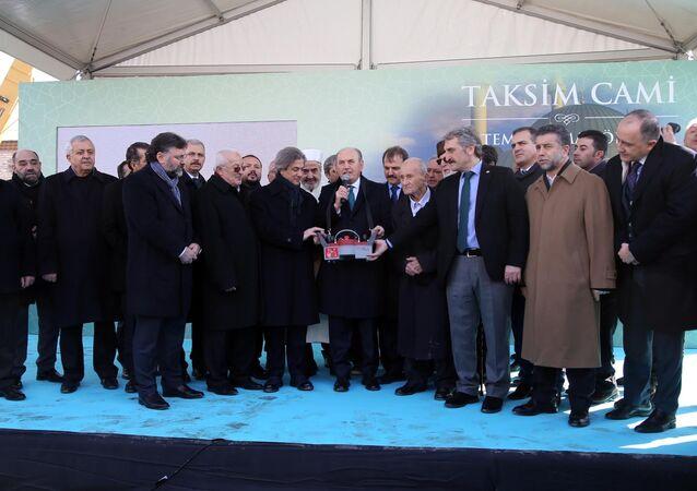 Taksim Camii temel atma töreni