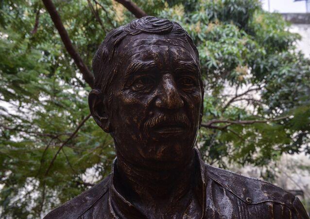 Küba'nın başkenti Havana'da Kolombiyalı yazar ve gazeteci Gabirel Garcia Marquez'in heykeli dikildi.