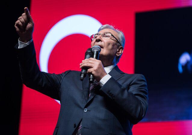 CHP Antalya milletvekili Deniz Baykal
