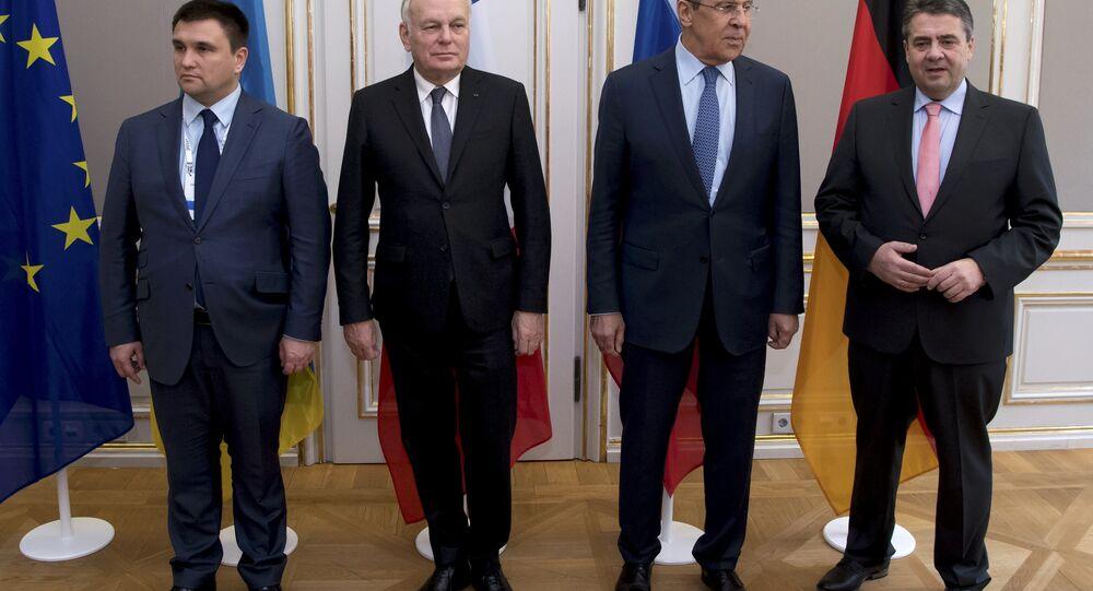 Ukrayna Dışişleri Bakanı Pavlo Klimkin, Fransa Dışişleri Bakanı Jean-Marc Ayrault, Rusya Dışişleri Bakanı Sergey Lavrov ve Almanya Dışişleri Bakanı Sigmar Gabriel